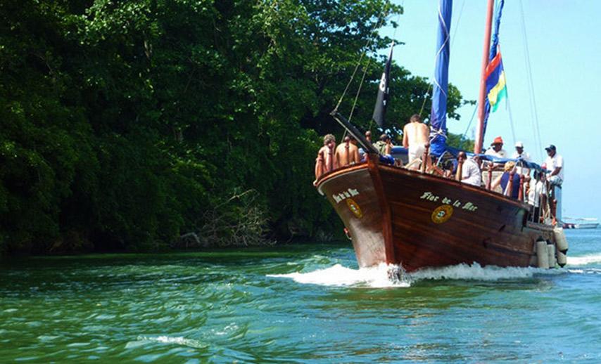 5.Pirate-boat-trip